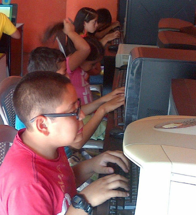 computer classes for vulnerable children